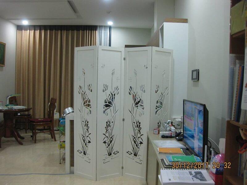 Vách ngăn phòng khách và phòng làm việc