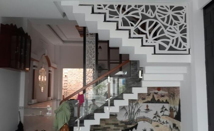 Những mẫu vách ngăn cầu thang CNC đẹp 2019